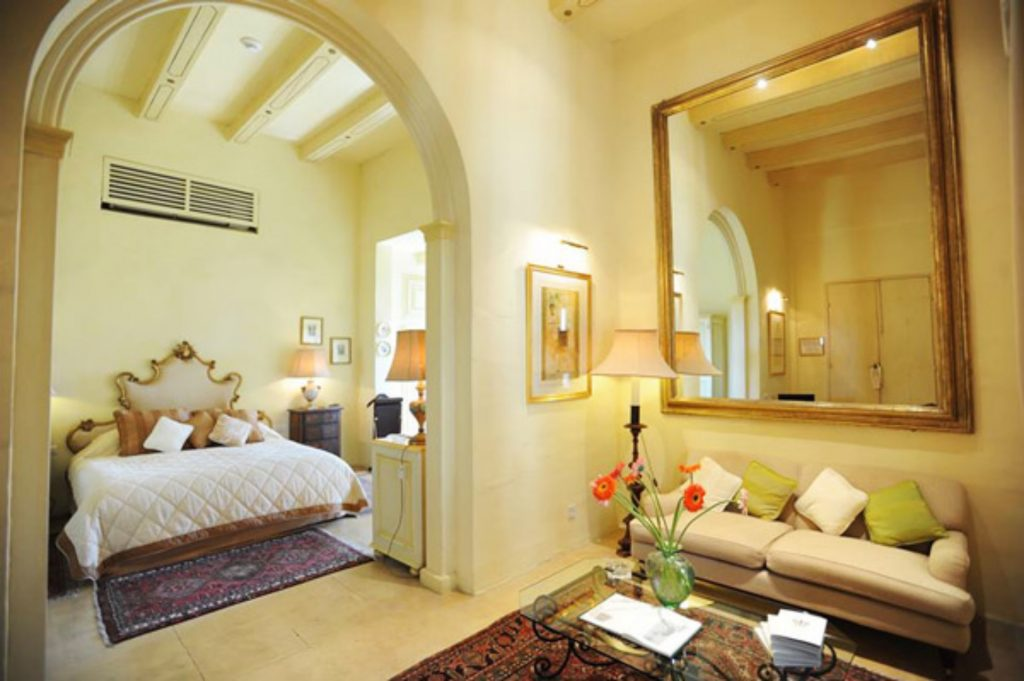deluxe-suite-the-xara-palace-malta